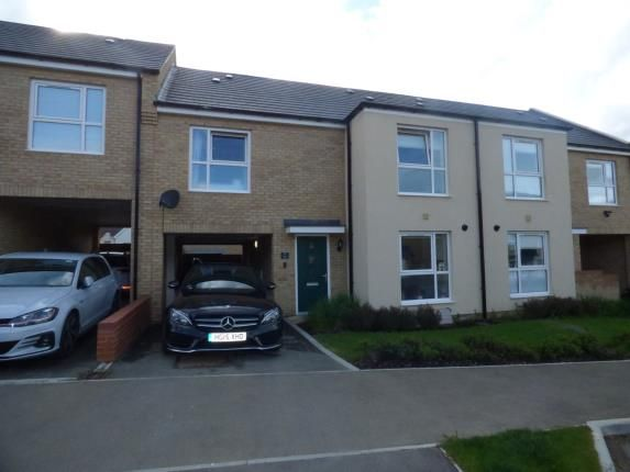 4 bedroom semi-detached house for sale in Ayreshire Way, Whitehouse, Milton Keynes, Bucks