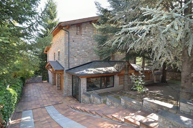3 bed chalet for sale in Escas, Andorra