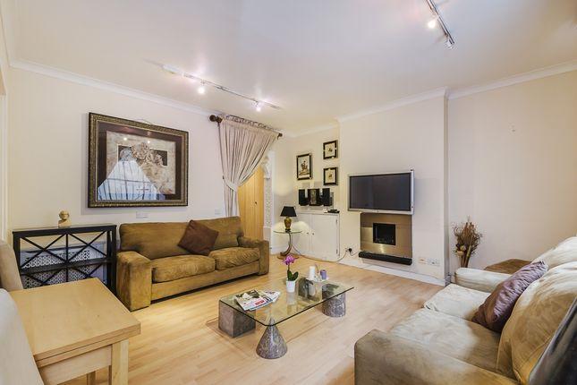 1 bed flat to rent in Ennismore Gardens, Knightsbridge, London