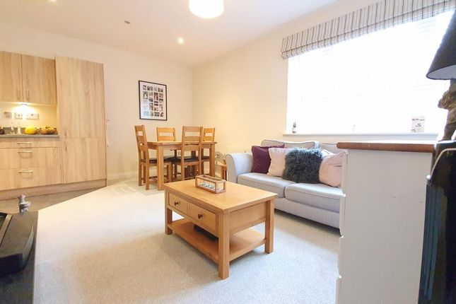 1 bed flat to rent in Heligan House, Main Street, Dickens Heath B90
