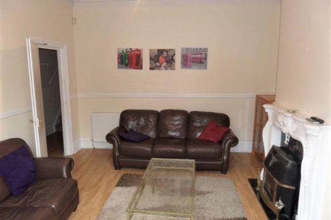Thumbnail Room to rent in Mundella Terrace, Heaton, Newcastle Upon Tyne