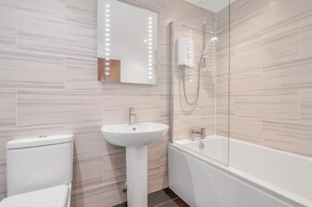 Bathroom of Colquhoun Street, Stirling, Stirlingshire FK7