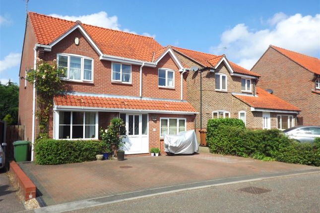 Thumbnail Property to rent in Oxcroft, Acle, Norwich