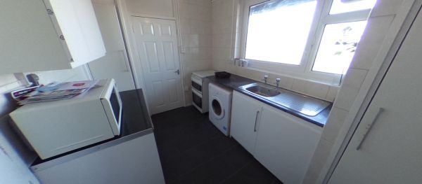 Thumbnail Shared accommodation to rent in Bethnal Green, London