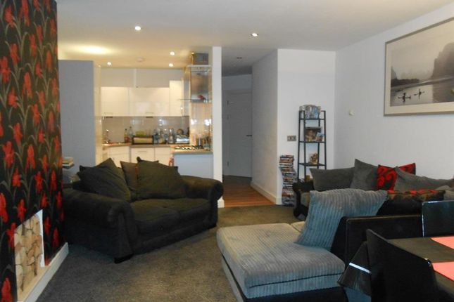 Thumbnail Flat to rent in Woodridge, Bridgend