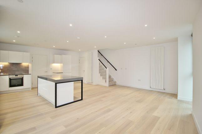 Thumbnail Flat to rent in Schooner Road, London