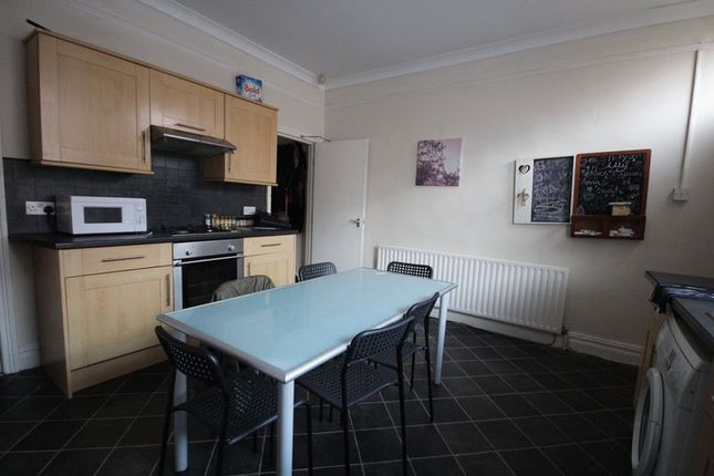 Thumbnail Terraced house to rent in Langdale Terrace, Headingley, Leeds