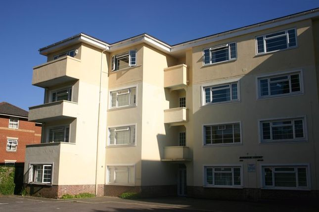 Thumbnail Flat to rent in Archers Road, City Centre, Southampton
