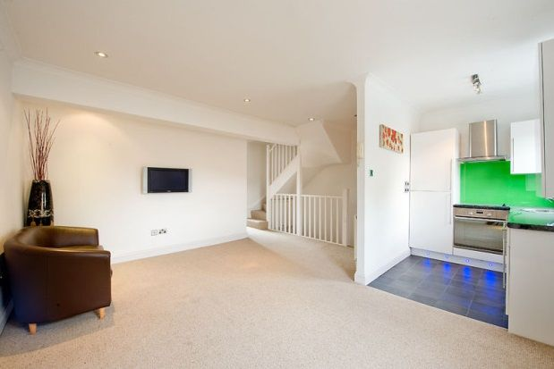 2 bed flat to rent in Old Brompton Road, South Kensington