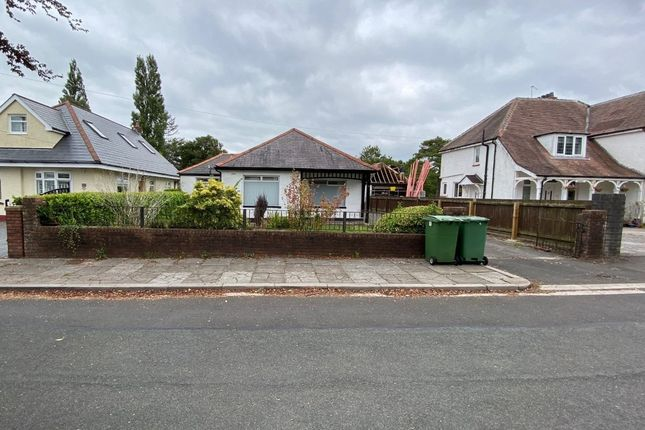 Thumbnail Detached bungalow to rent in Brynawelon Road, Cyncoed, Cardiff