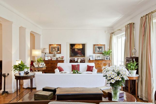 5 bed apartment for sale in Rome Rm, Italy