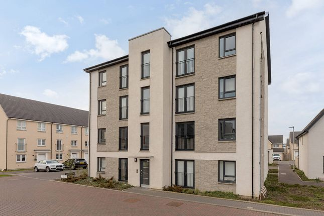 Thumbnail Flat for sale in Craw Yard Drive, South Gyle