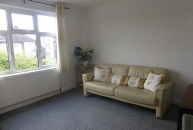 Thumbnail Flat to rent in Vicarage Road, Sunbury-On-Thames