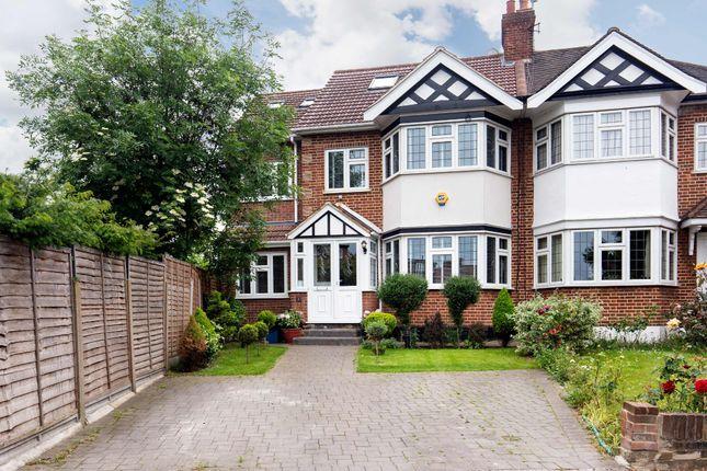 Burnham Crescent, London E11