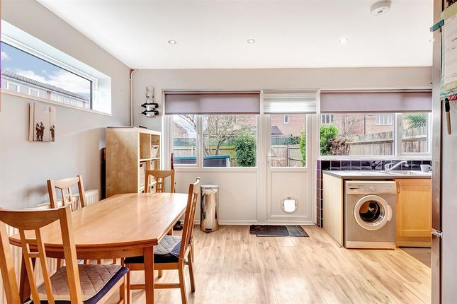 3 bed property for sale in Wyecliffe Gardens, Merstham, Surrey