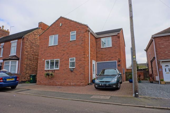 Thumbnail Detached house for sale in Windmill Street, Church Gresley, Swadlincote