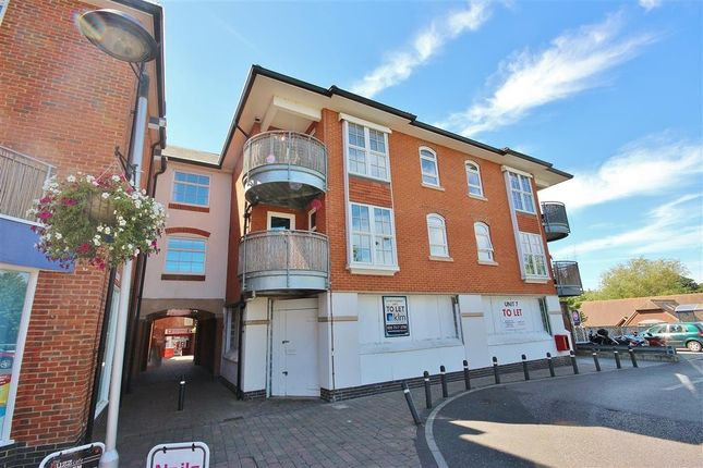 Thumbnail Flat to rent in Angel Walk, Limborough Road, Wantage