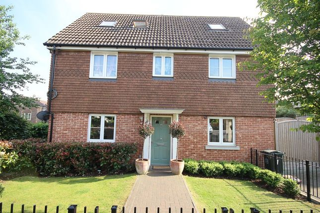 Thumbnail Link-detached house for sale in Vaughan Close, Dartford