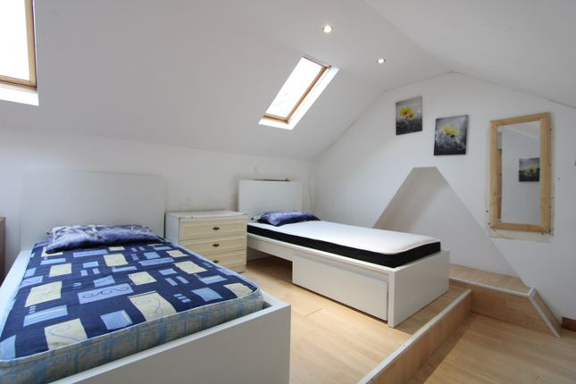 Thumbnail Terraced house to rent in Ashbourne Road, Tooting