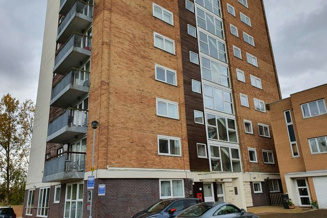 2 bed flat to rent in Lakeside Rise, Blackley, Manchester M9