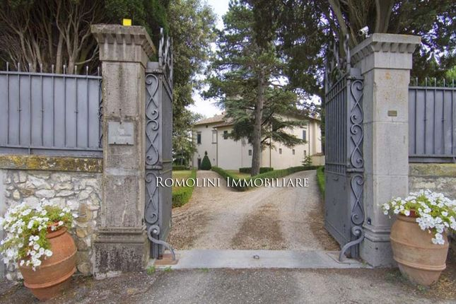 7 bed country house for sale in Sansepolcro, Tuscany, Italy