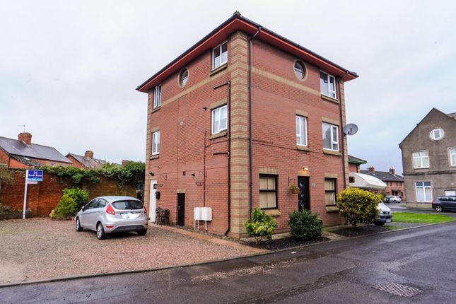 Thumbnail Flat for sale in Whitehall Mews, Belfast