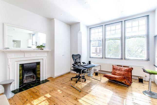 Studio to rent in Glenloch Road, Belsize Park