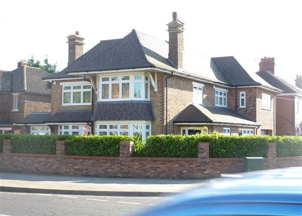 Thumbnail Detached house for sale in Grimsby Road, Cleethorpes