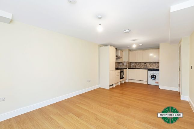 Thumbnail Flat to rent in Cameron Road, Seven Kings