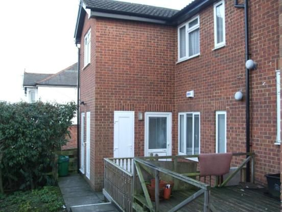 Thumbnail Flat to rent in Dashwood Avenue, High Wycombe