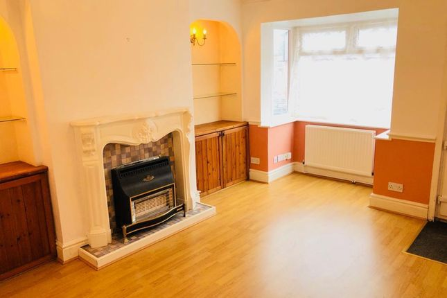 Thumbnail Property to rent in Carlton Street, Mansfield