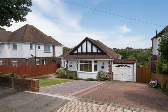 Thumbnail Bungalow for sale in Benfield Way, Portslade