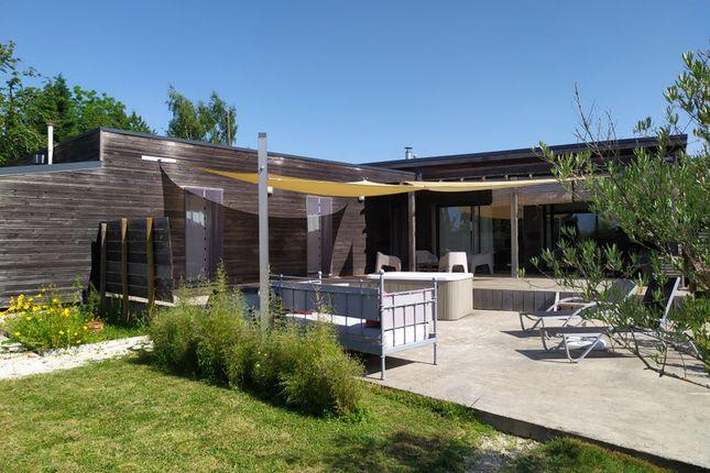 Thumbnail Villa for sale in Rouffignac, Charente-Maritime, Nouvelle-Aquitaine