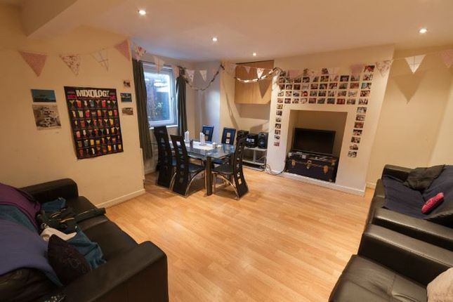 Thumbnail Shared accommodation to rent in Royal Park Road, Hyde Park, Leeds