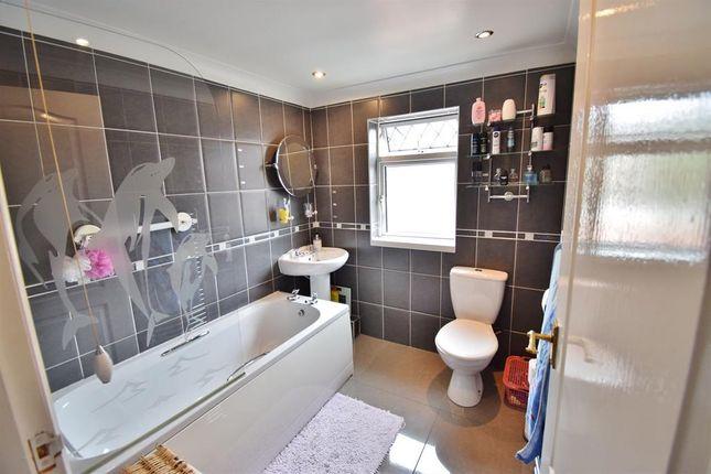 Bathroom of Byelands Street, Middlesbrough TS4