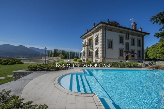 10 bed villa for sale in Luino, Lombardia, Italy
