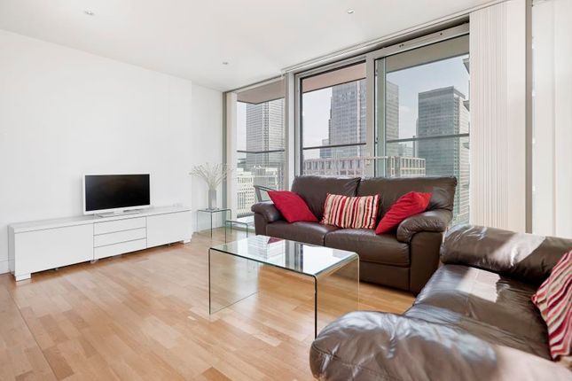 2 bed flat to rent in Landmark Tower, Canary Wharf