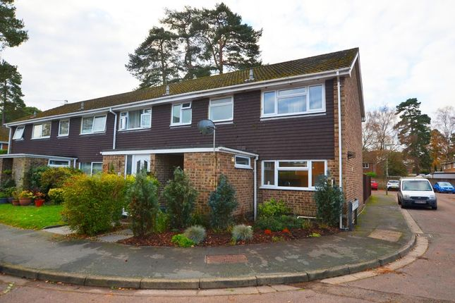 3 bed end terrace house to rent in Pendragon Way, Camberley GU15
