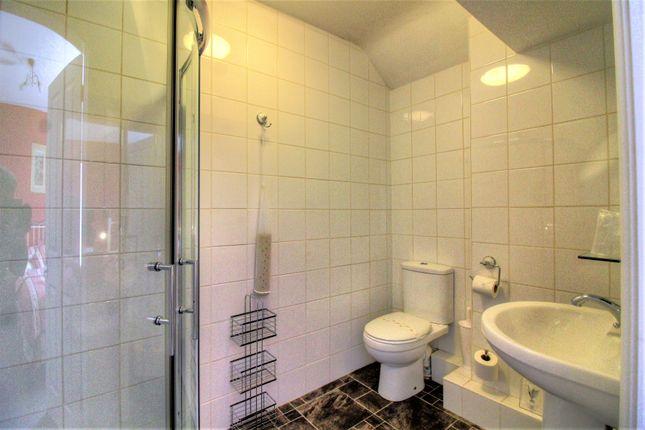 En Suite of Holyhead Road, Pentre Du, Betws-Y-Coed LL24