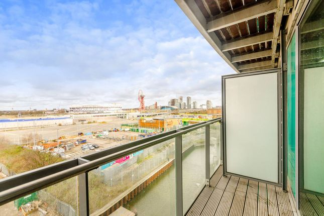 1 bed flat for sale in High Street, Stratford