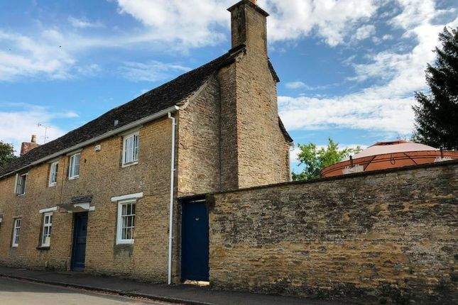 Thumbnail Property for sale in Church Close, Bampton