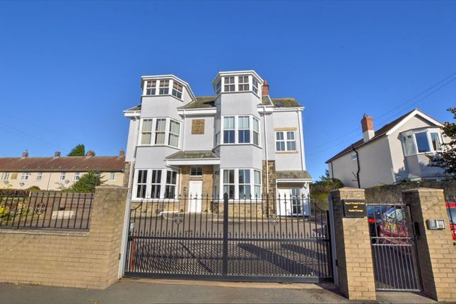 2 bed flat for sale in Hexham Road, Throckley, Newcastle Upon Tyne NE15