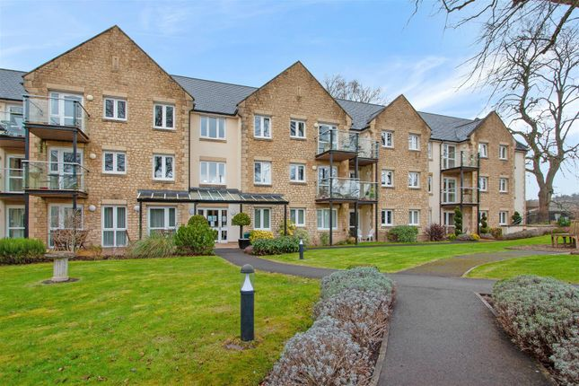 2 bed flat for sale in Holmcroft Court, Charlton Road, Shepton Mallet BA4