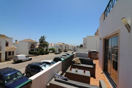 2 bed apartment for sale in Tavira, Eastern Algarve, Portugal