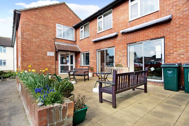 1 bed flat for sale in North Street, Walton On The Naze CO14