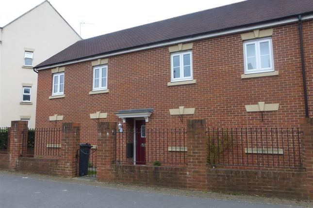 2 bed property to rent in Thursday Street, Swindon SN25