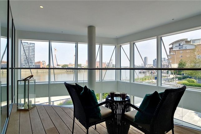 Picture No. 7 of Discovery House, Battersea Reach, London SW18