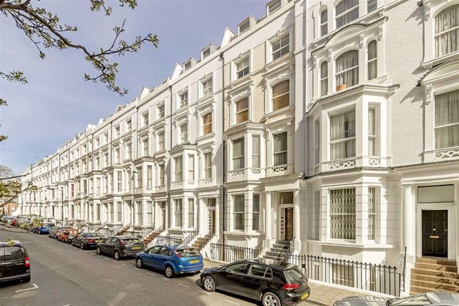 2 bed flat for sale in Hatherley Grove, London