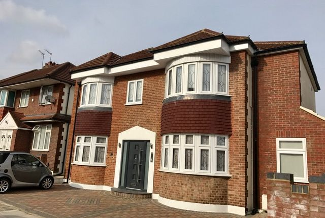 Thumbnail Flat to rent in Ivy Road, Southgate, London
