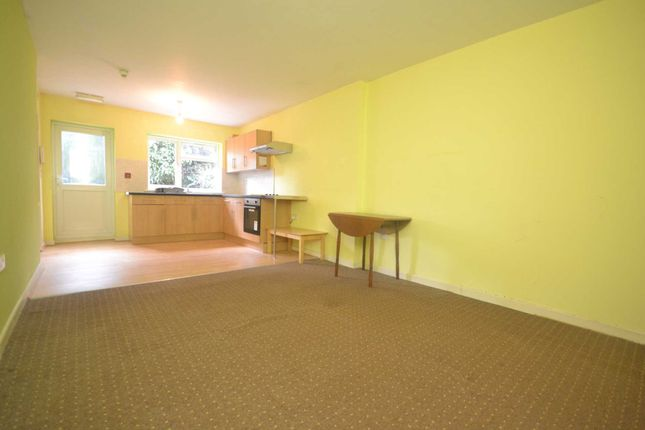 Thumbnail Property to rent in Clent Road, Reading